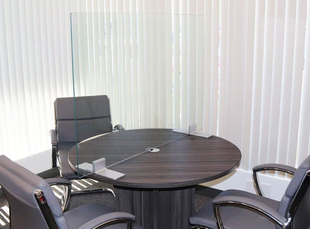 desk glass partition